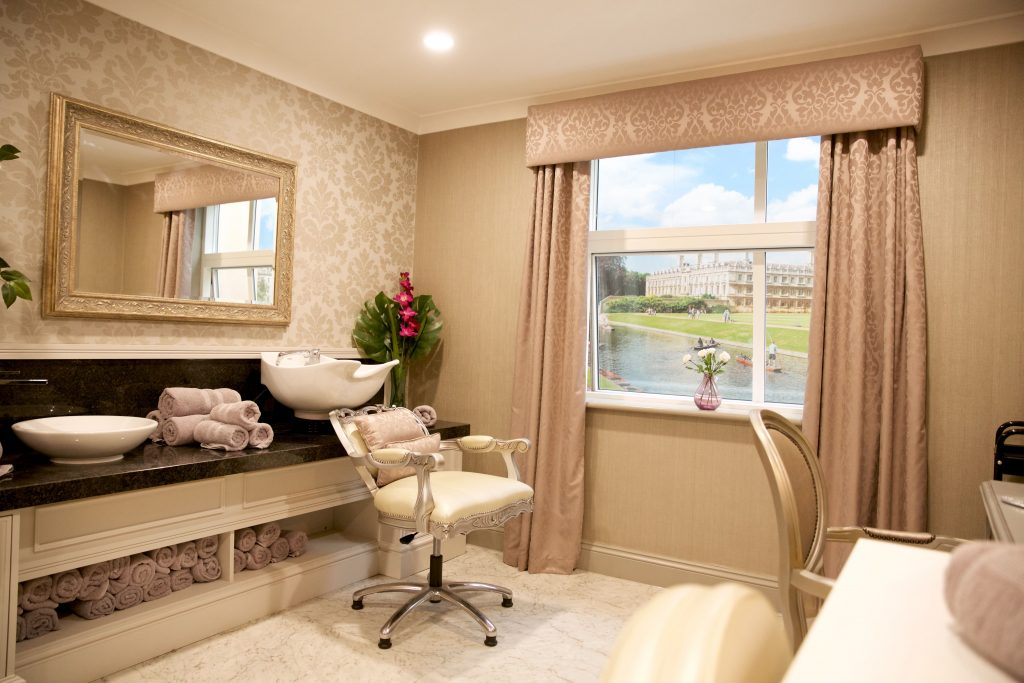 Cambridge Manor care home in Cambridge Hair Salon _ TLC Care-min