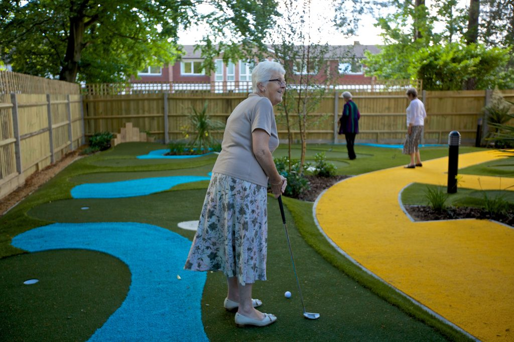 Puttting-Green-Activities-at-Camberley-Manor-Care-home